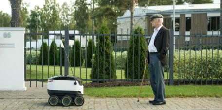 robot postman